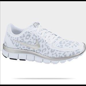 Nike Free 5.0 Wolf Gray Leopard Sneakers